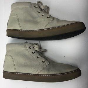 41c3d5598f7 UGG Alin Blank Mens Cream Leather Chukka Boot Sz 8